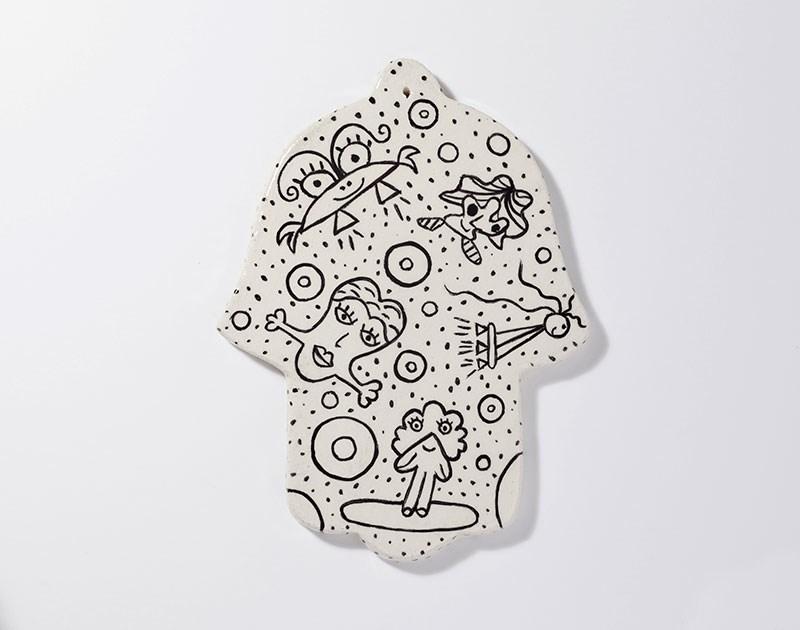 ceramic-paint-hamsa-amulet-enjoying-freedom